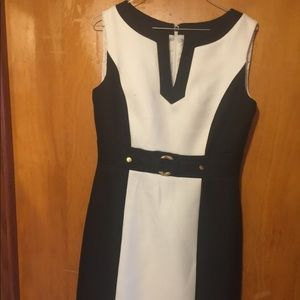Tahari tagged size 6 dress
